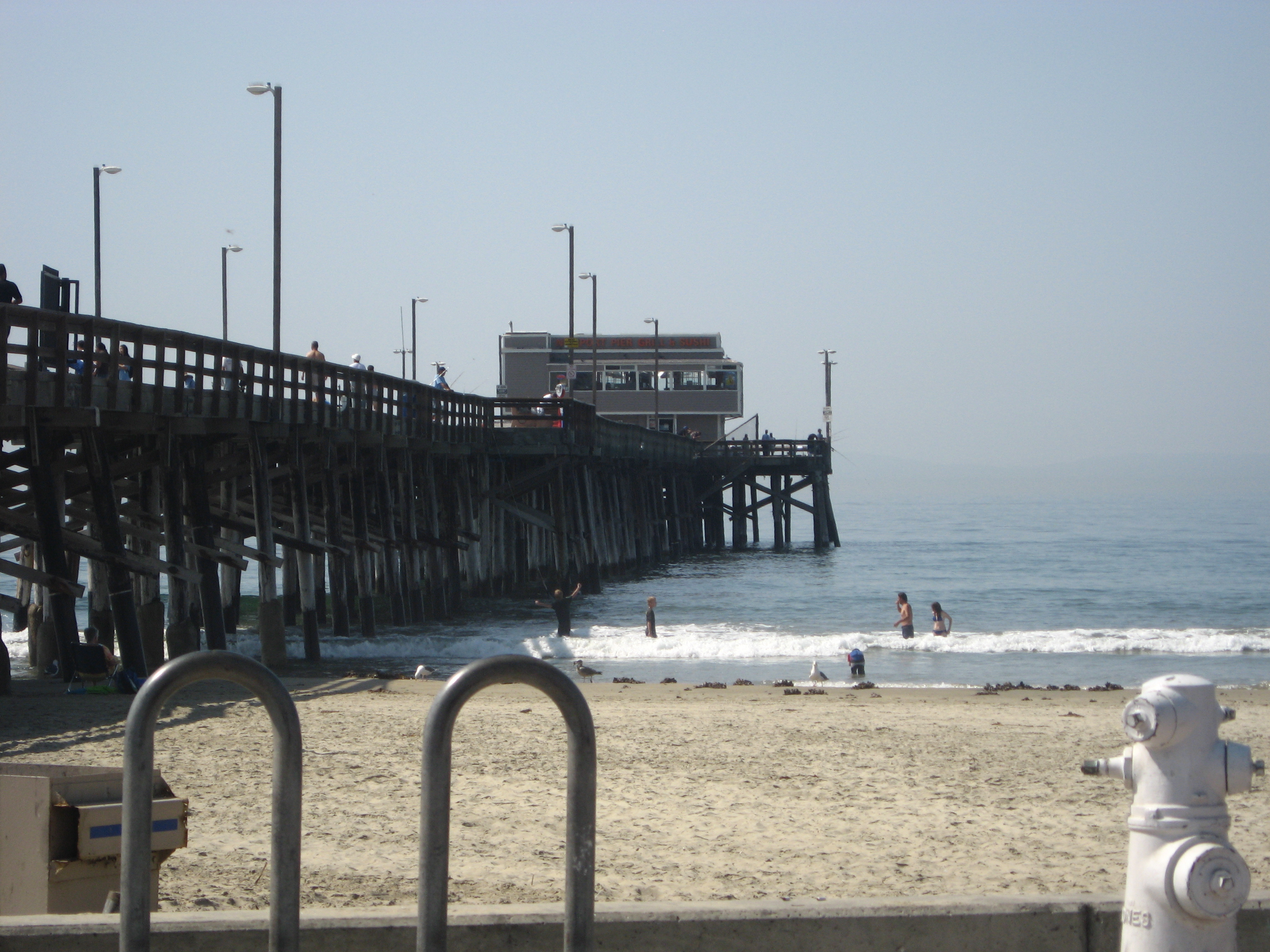 Newport beach california worlds best beach towns for Newport pier fishing