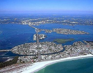 Sarasota florida worlds best beach towns for Coastal towns in florida